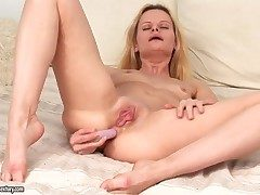 Closely-knit boobed uncommon blonde Ann Marie gets a dampness