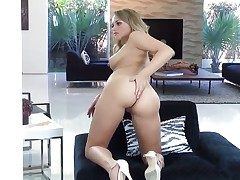 Awesome blonde cutie Mia Malkova moans loudly while