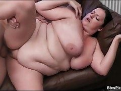 BBW blows sting cock and gets fucked