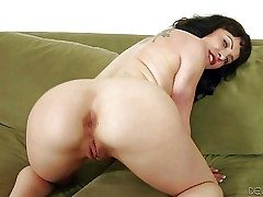 Katie St Ives is another shameless adult model with breathtakingly