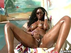 Nyomi Banxxx with juicy ass has fervour in say no to eyeshot