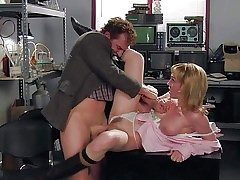Strapping experienced pornstar girder Evan Stone nearby long meaty sausage