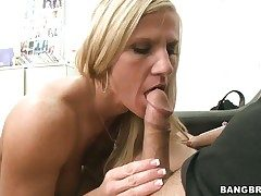 Amber Irons shows her slutty side in hardcore action