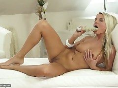 Adorable blonde hottie Jessie Jazz loves having boastfully dildo penetrating their way smashing cunt